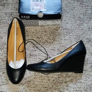ana Heather Black Wedge Pumps NIB Size 9 1/2
